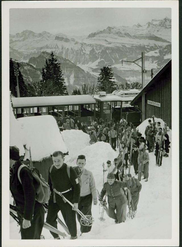 Skifahren boomt Geschichte