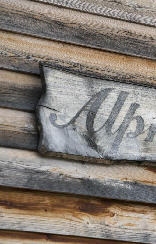 Schriftzug Alp Chäserenholz