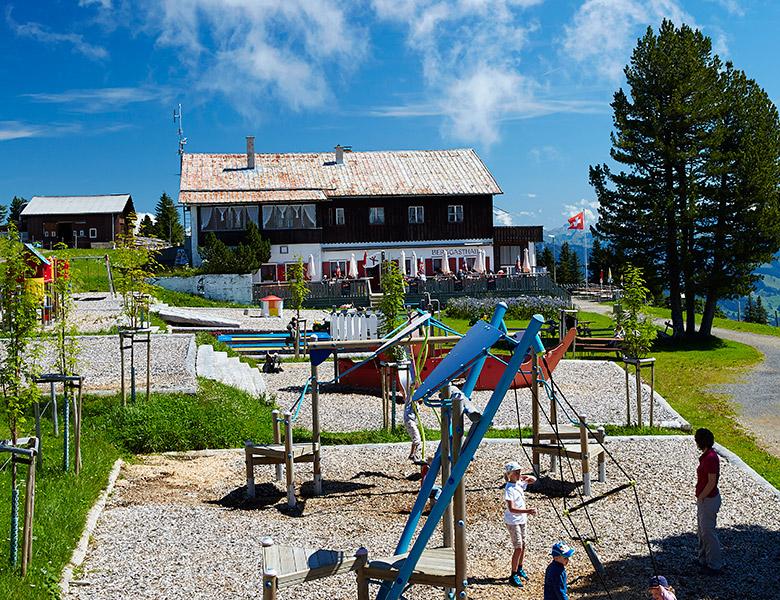 Berggasthaus Rigi Scheidegg mit Spielplatz